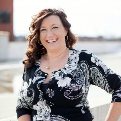 Jody Halsted - Iowa Travel Blogger